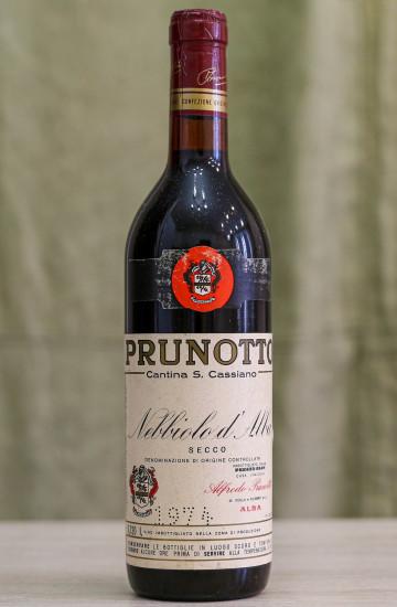 Вино Nebbiolo d'Alba Alfredo Prunotto 1974 года